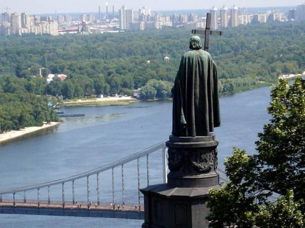 Памятники Святому Владимиру
