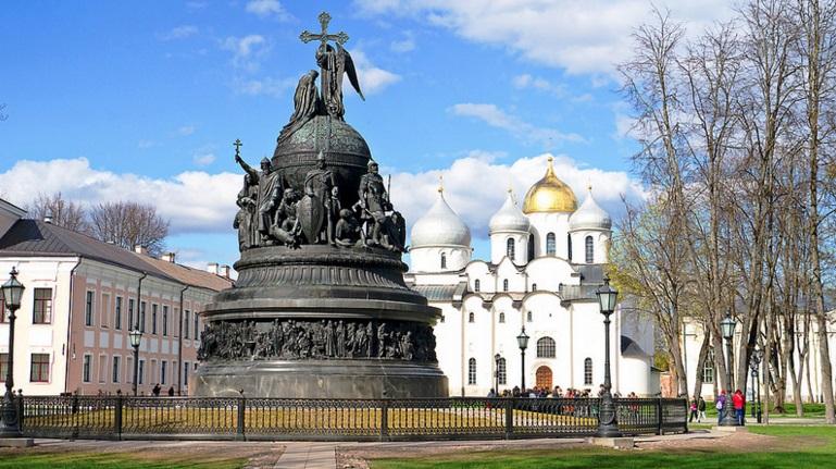 Памятник Тысячелетия России в Новгороде