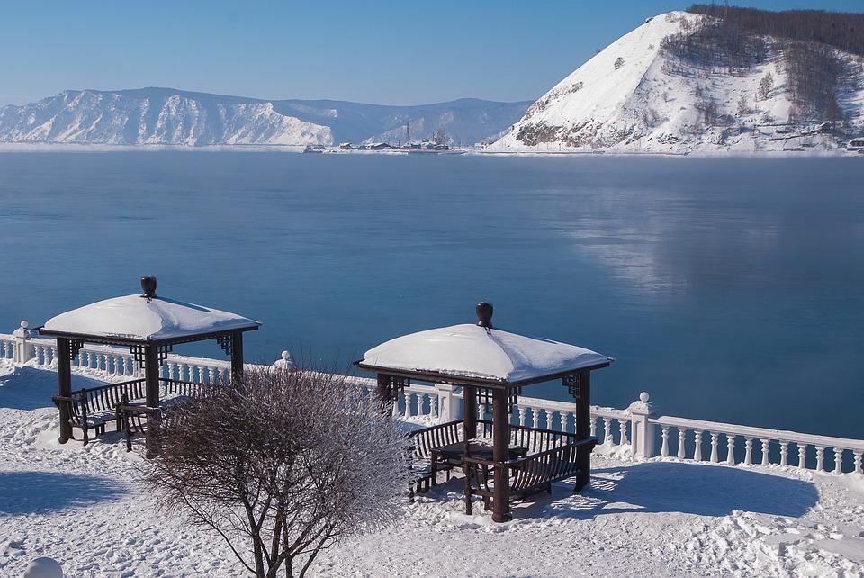 Иркутские геологи исследовали возможность возникновения цунами на озере Байкал
