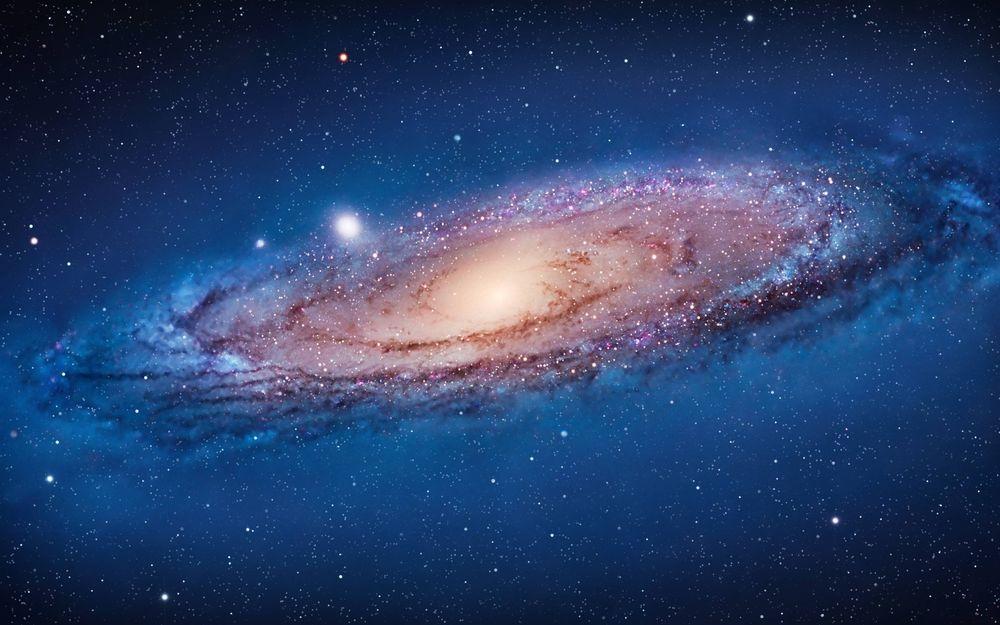Подчиняются ли звезды в спутниках Туманности Андромеды закону Ньютона?